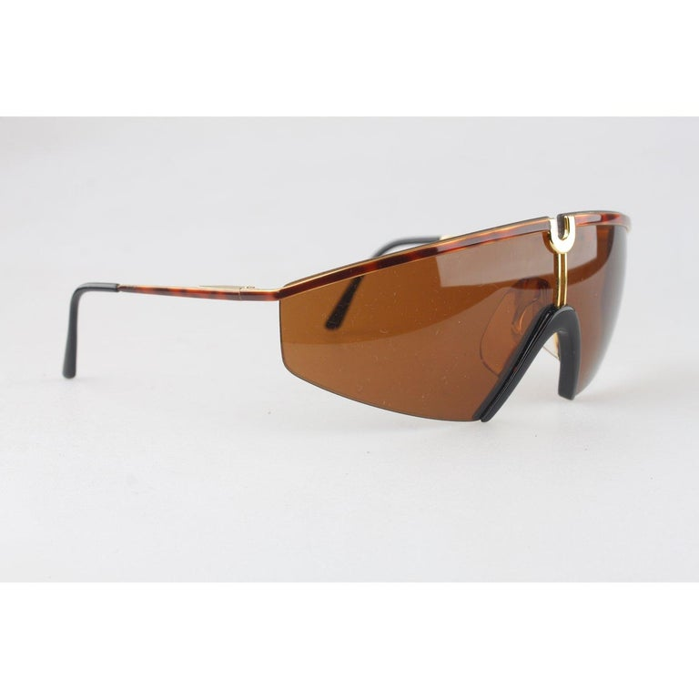 Versace Vintage Shield Sunglasses Mod S91 Col 07M In Excellent Condition For Sale In Rome, Rome