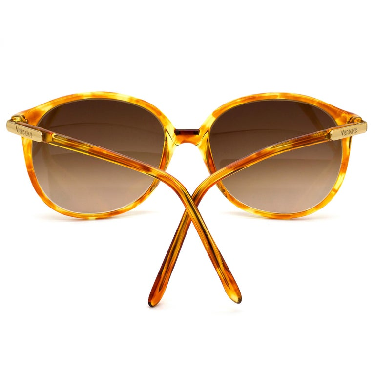 Versace vintage sunglasses 80s In New Condition For Sale In Feasterville Trevose, PA