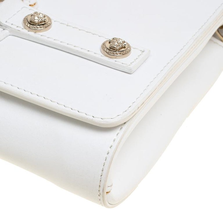 55bffbd2db61 Versace White Leather Chain Clutch Bag For Sale at 1stdibs