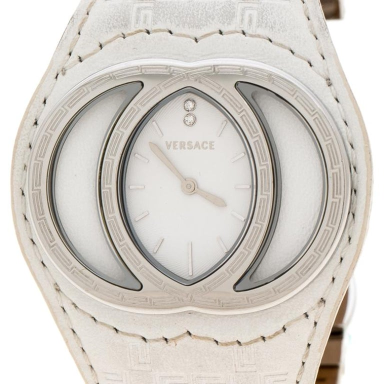 Contemporary Versace White Stainless Steel Eclissi 74Q Women's Wristwatch 39 mm For Sale