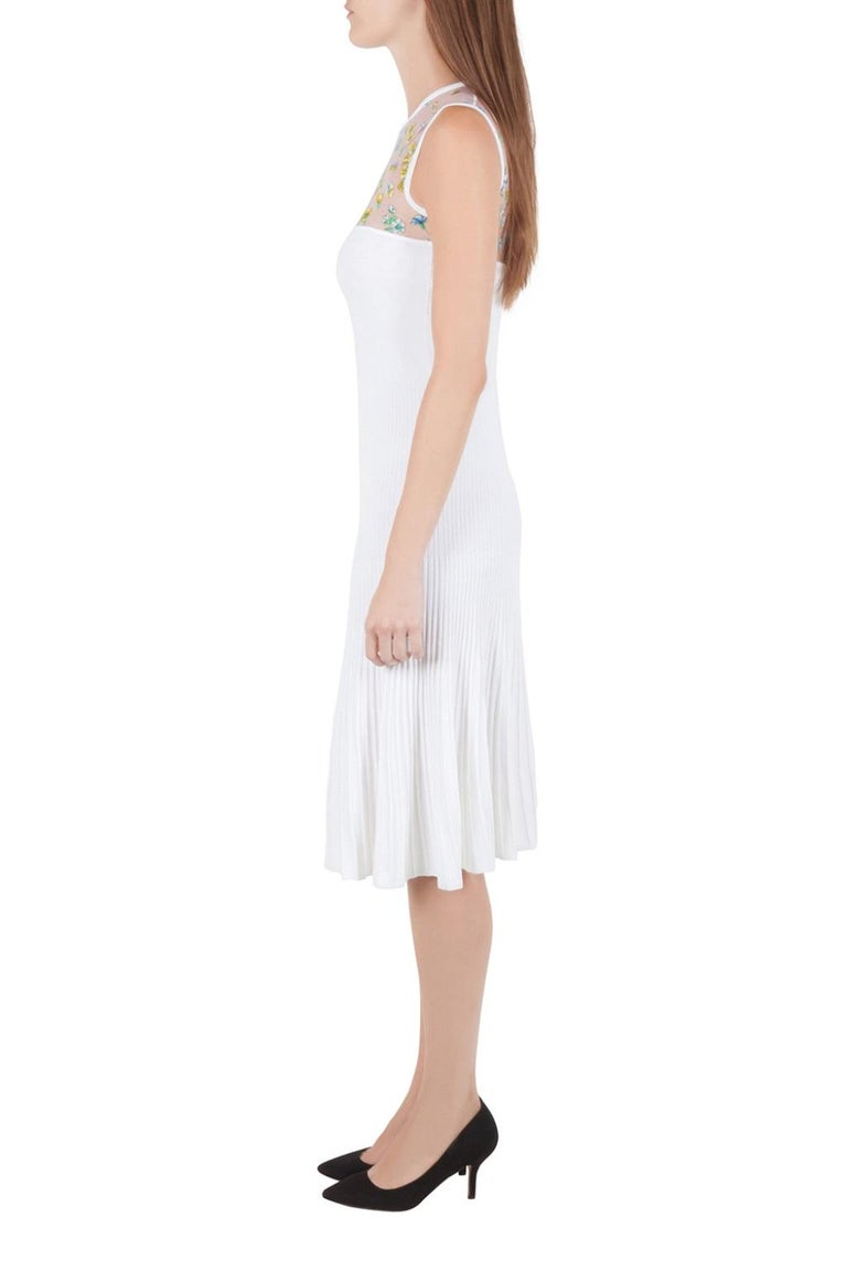 Versace White Stretch Crepe Floral Printed Sheer Yoke Sleeveless Dress S In Excellent Condition For Sale In Dubai, Al Qouz 2