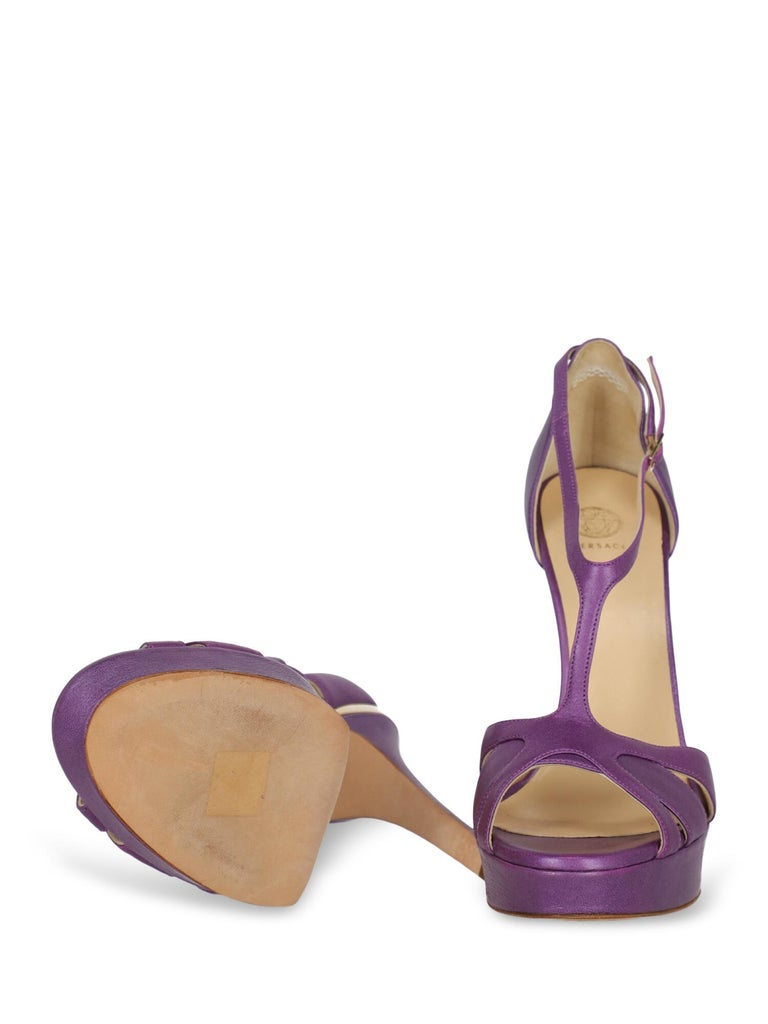 Versace Woman Sandals Purple IT 41 In Fair Condition For Sale In Milan, IT
