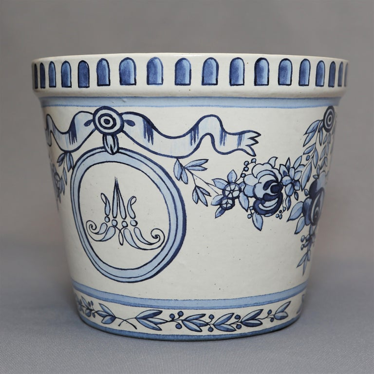 Versailles Flower Pot and Saucer For Sale 3