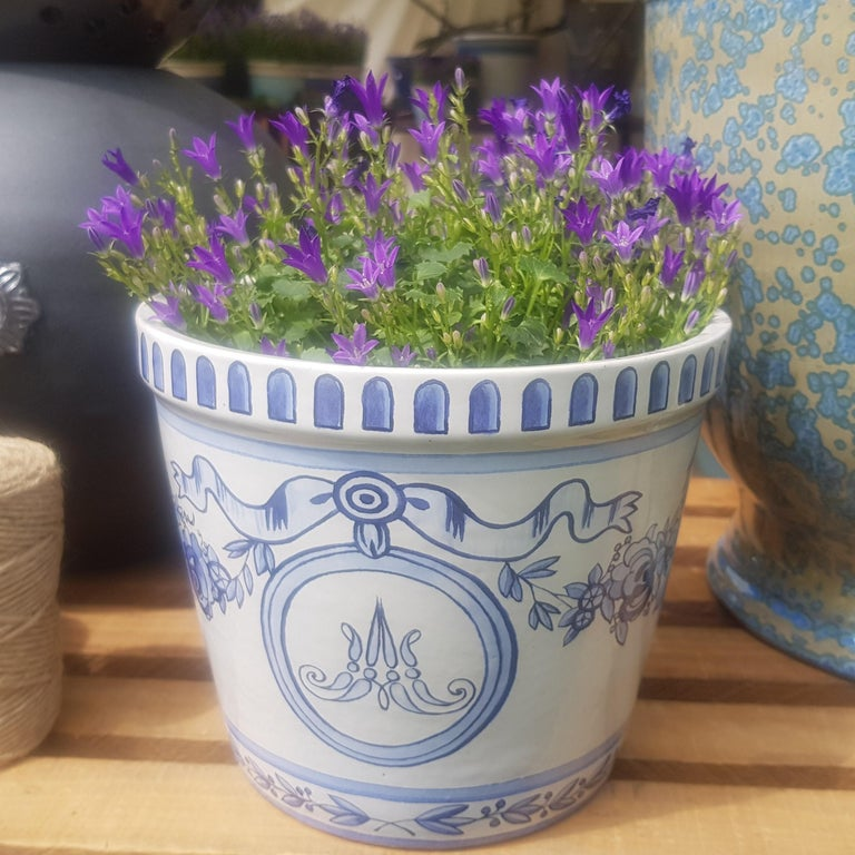 Contemporary Versailles Flower Pot and Saucer For Sale