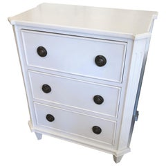 Versatile White Painted Chest of Drawers Nightstand