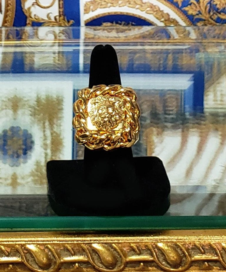Women's or Men's VERSUS VERSACE 24K GOLD PLATED GOLD LION RING size 9 For Sale