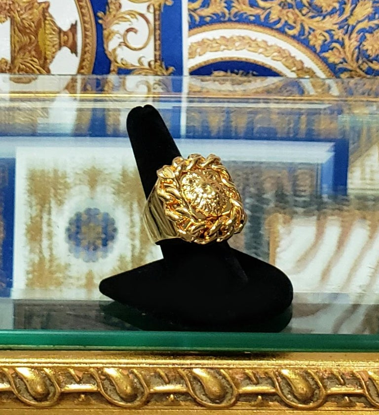 VERSUS VERSACE 24K GOLD PLATED GOLD LION RING size 9 For Sale 1