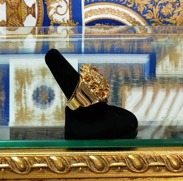 VERSUS VERSACE 24K GOLD PLATED GOLD LION RING size 9 For Sale 2