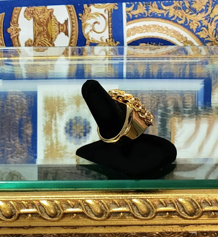 VERSUS VERSACE 24K GOLD PLATED GOLD LION RING size 9 For Sale 3