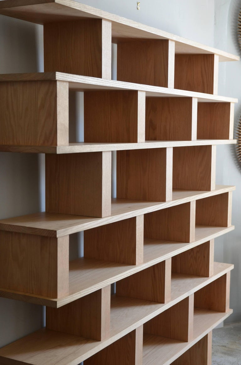 French 'Verticale' Polished Oak Shelving Unit by Design Frères For Sale