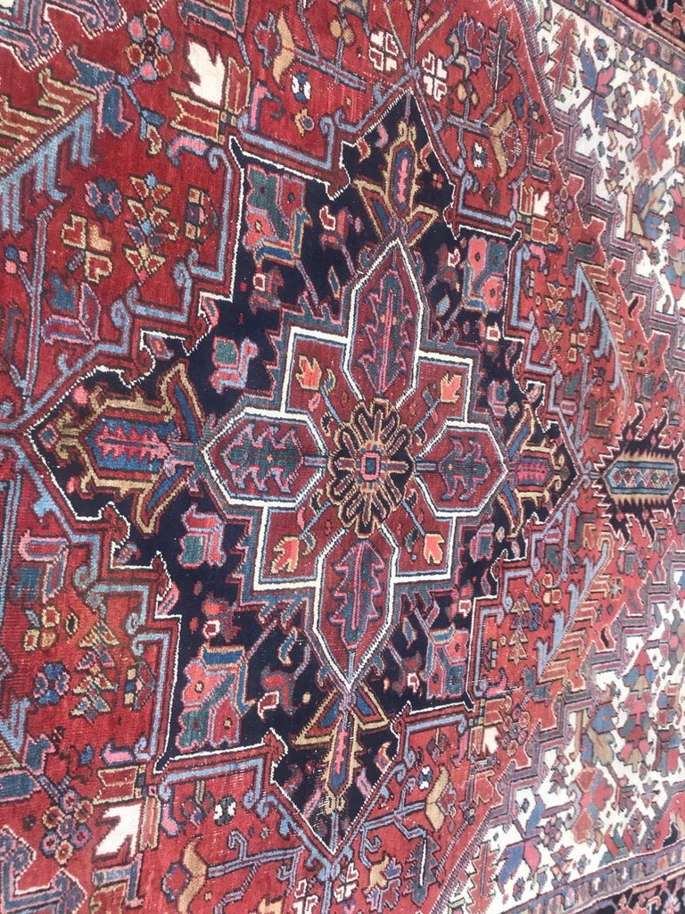 Very Beautiful Antique Heriz Rug In Good Condition For Sale In Saint Ouen, FR