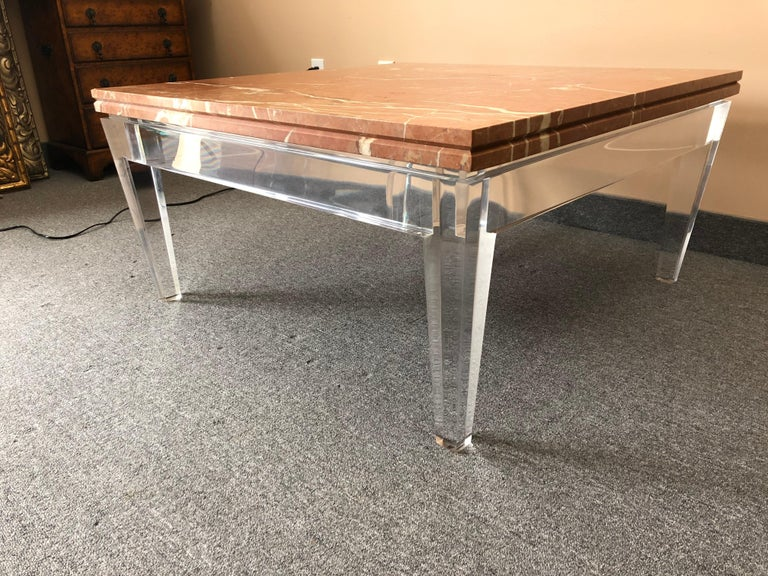 American Very Chic Mid-Century Modern Lucite and Marble Coffee Table For Sale