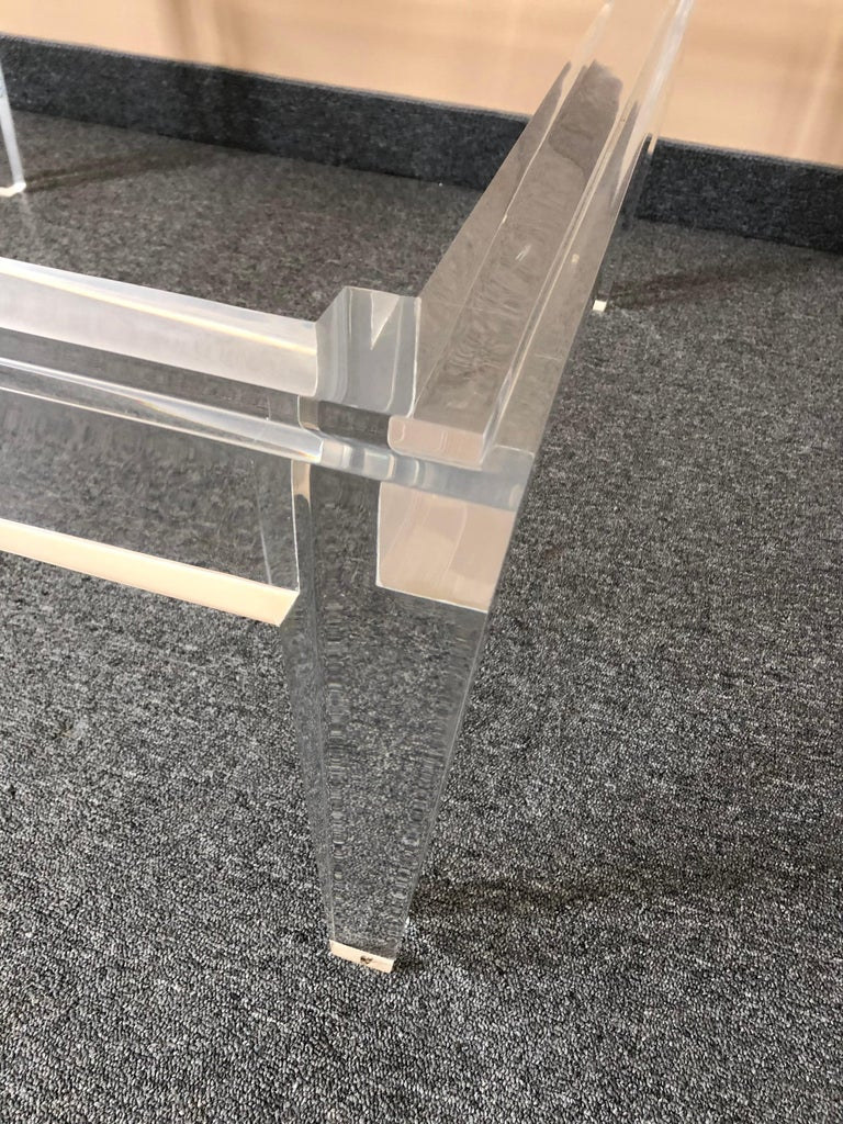 Very Chic Mid-Century Modern Lucite and Marble Coffee Table In Good Condition For Sale In Hopewell, NJ