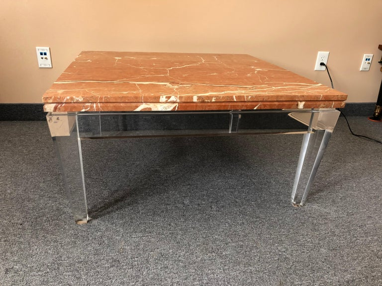 Very Chic Mid-Century Modern Lucite and Marble Coffee Table For Sale 1