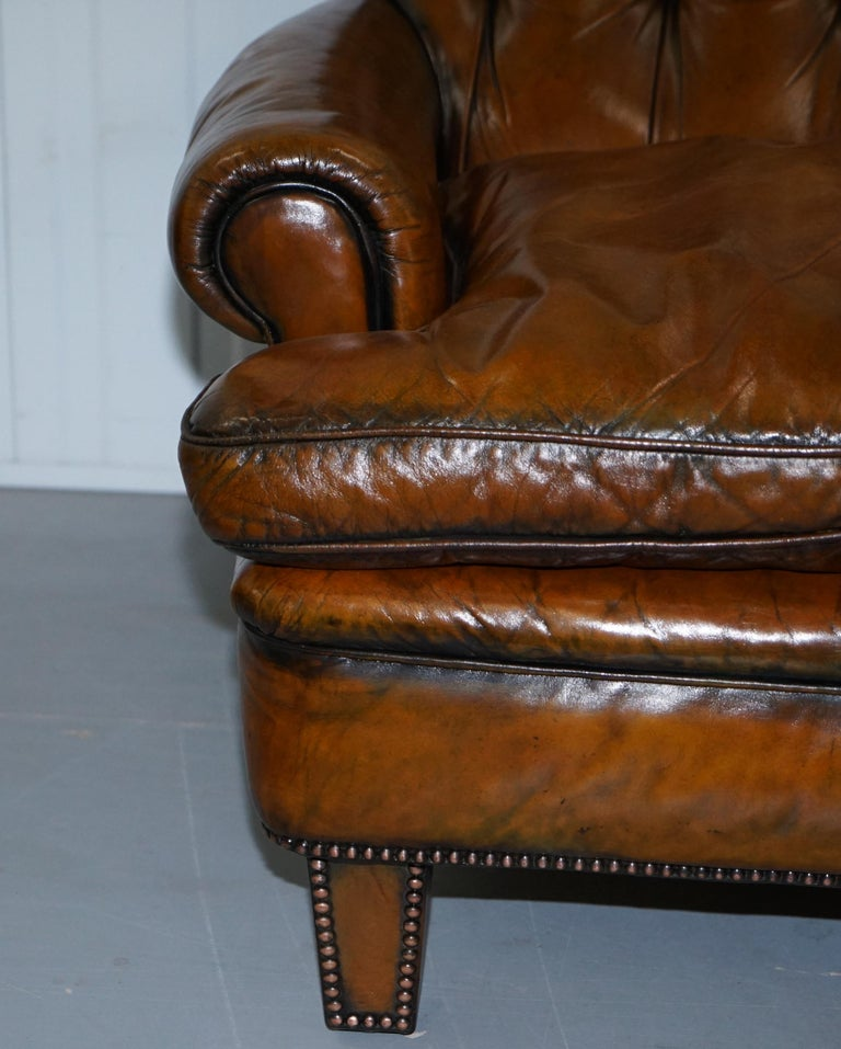 Very Comfortable Victorian Restored Howard & Son's Style Aged Brown Leather Sofa For Sale 6
