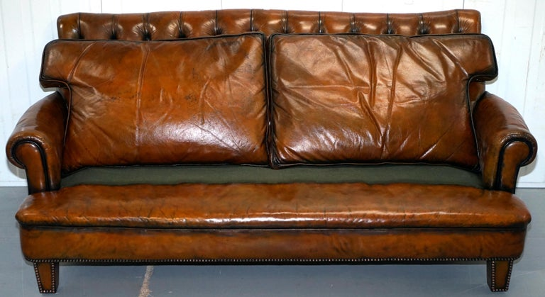 Very Comfortable Victorian Restored Howard & Son's Style Aged Brown Leather Sofa For Sale 8
