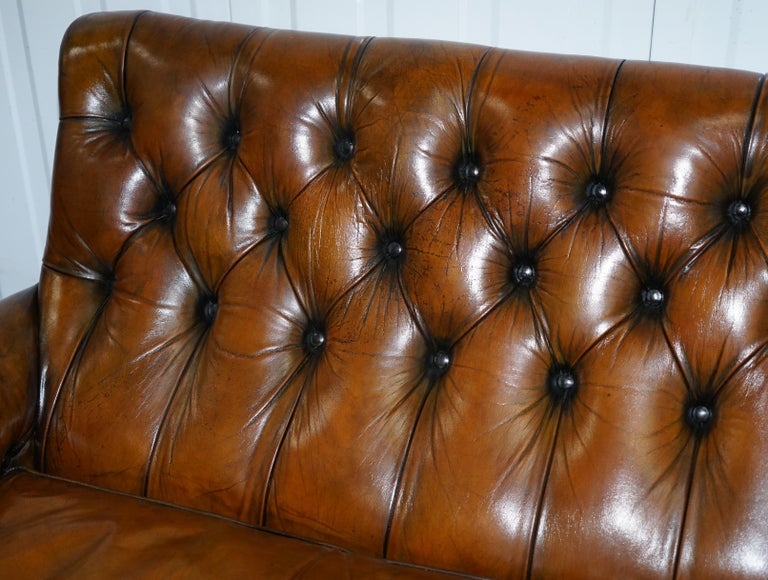Very Comfortable Victorian Restored Howard & Son's Style Aged Brown Leather Sofa In Good Condition For Sale In London, GB