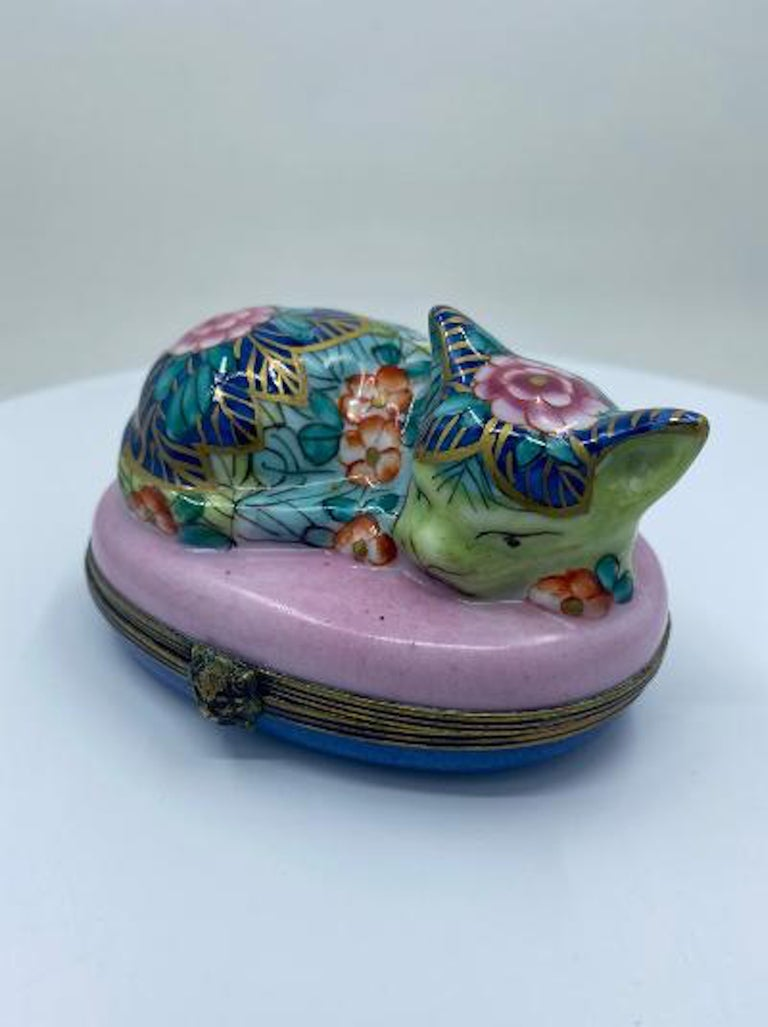 French Provincial Very Detailed Limoges France Hand Painted Porcelain Sleeping Cat Trinket Box For Sale