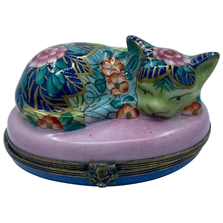 Very Detailed Limoges France Hand Painted Porcelain Sleeping Cat Trinket Box For Sale