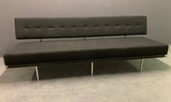 Very Early and Rare No. 578 Sofa by Florence Knoll
