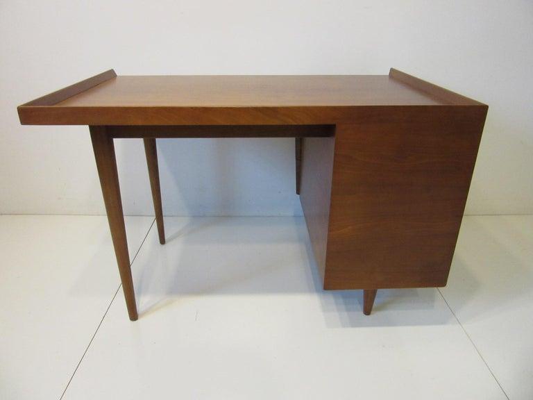 Very Early Jens Risom Walnut Mid Century Desk Model D-140 For Sale 5