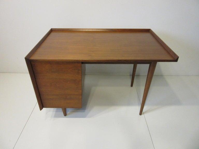Very Early Jens Risom Walnut Mid Century Desk Model D-140 For Sale 6