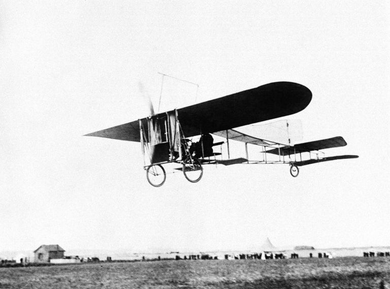 Very Early Model of a 1909 Louis Bleriot Aircraft For Sale 2