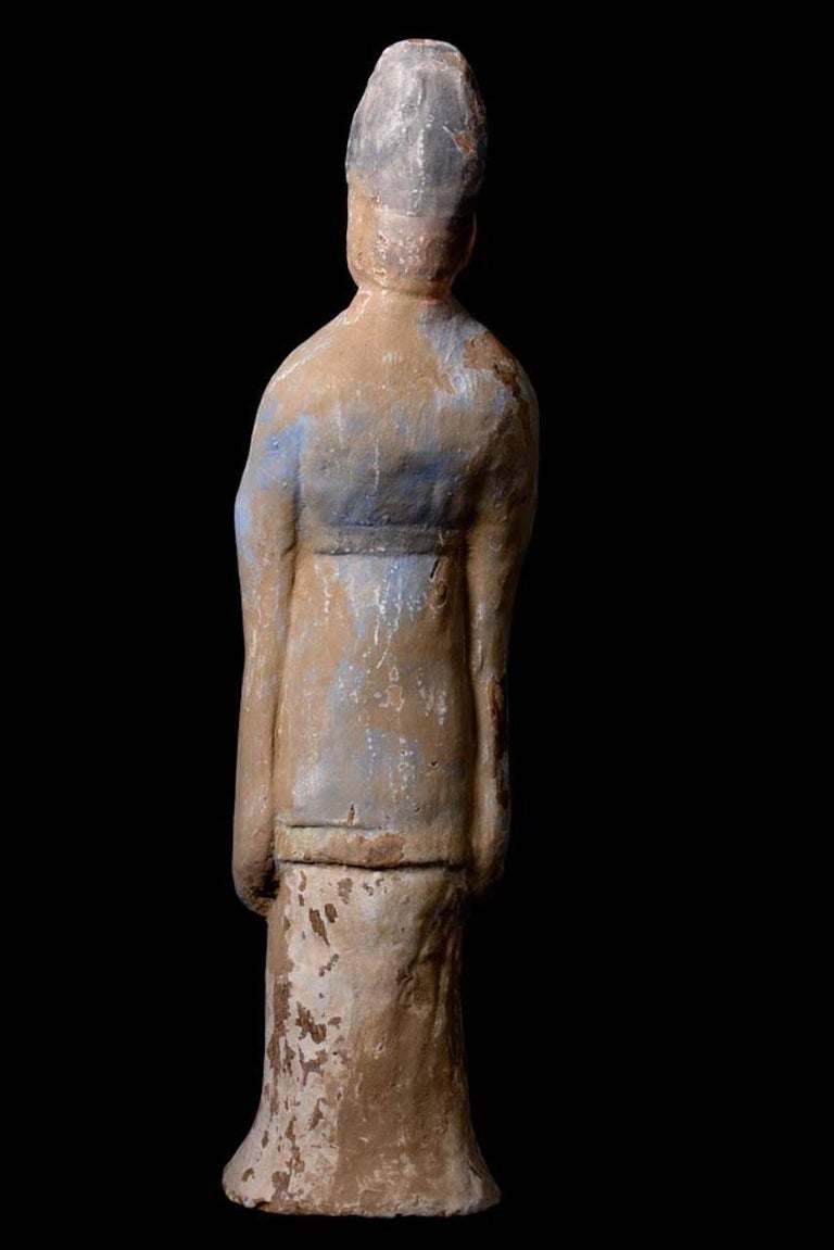 Very Elegant Tang Dynasty Dignitary in Orange Terracotta, China '618-907 AD' For Sale 2