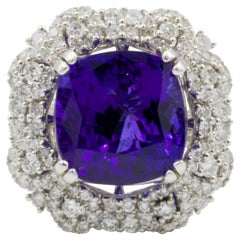 Very Fine 10+ Carat Tanzanite Ring with Diamonds 18 Karat