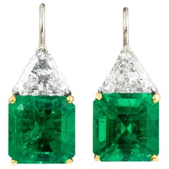 Very Fine AGL Certified Emeralds 11.28 Carats and Diamonds 3 Carats Earrings