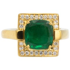 Very Fine 2.91 Carat Emerald & .24 Carat Diamond Ring 18 Karat Yellow Gold