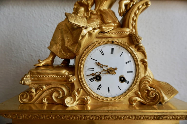 Very Fine and Elegant Fire, Gilt Bronze Mantle Clock in the Romantic Taste For Sale 4