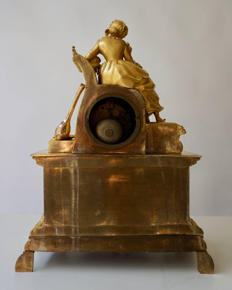 Very Fine and Elegant Fire, Gilt Bronze Mantle Clock in the Romantic Taste For Sale 12