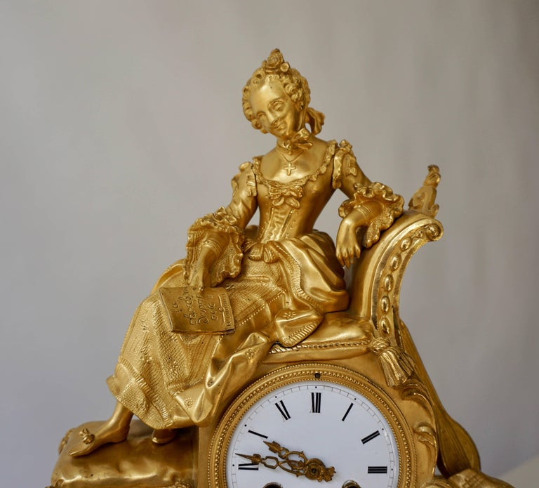 Mid-19th Century Very Fine and Elegant Fire, Gilt Bronze Mantle Clock in the Romantic Taste For Sale