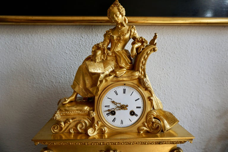Very Fine and Elegant Fire, Gilt Bronze Mantle Clock in the Romantic Taste For Sale 2