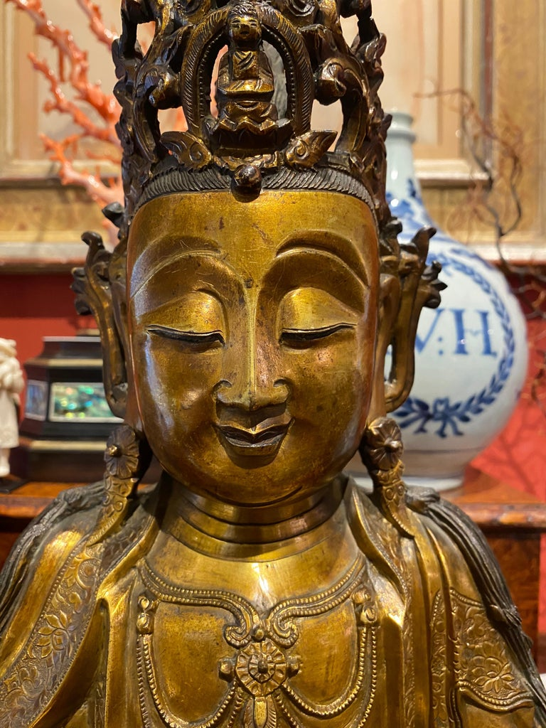 18th Century and Earlier Very Fine and Serene Chinese Gilt-Bronze Figure of Guanyin, 16th Century For Sale