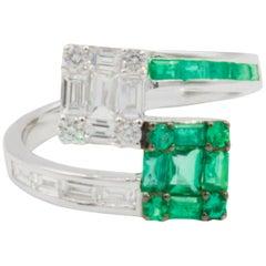 Very Fine Emerald and Diamond Ring 18 Karat