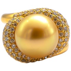 Very Fine Gold South Sea Pearl with 1.80 Carat Diamonds 18 Karat Gold