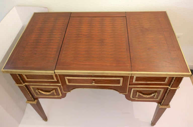 Fine Louis Xvi 19th C Marquetry Poudreuse Vanity Table