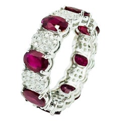 Very Fine Ruby Ring with Diamonds 18 Karat Gold
