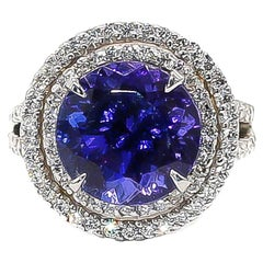 Very Fine Tanzanite Ring 8.80 Carat with Diamonds 2.65 Carat F/VS 18 Karat Gold