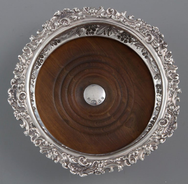 English Very Good Set of Four George iv Silver Wine Coasters Sheffield, 1828 For Sale