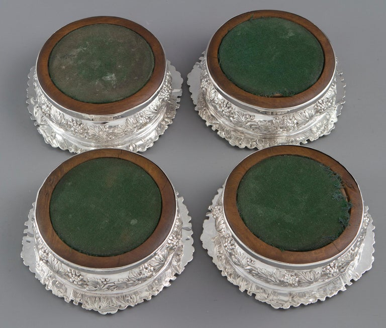 Early 19th Century Very Good Set of Four George iv Silver Wine Coasters Sheffield, 1828 For Sale