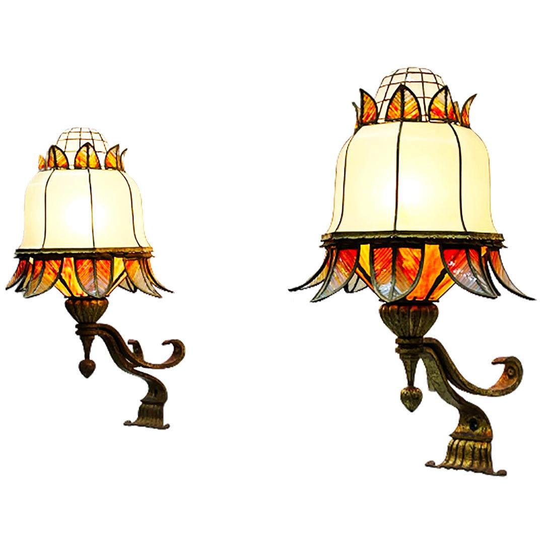 Very Impressive Stained Glass Wall Lamps