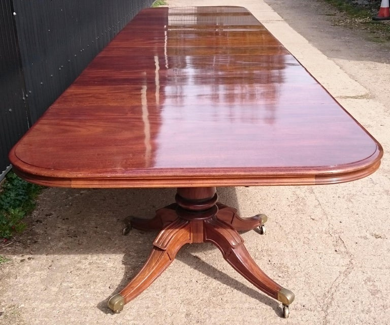 Very Large Early Nineteenth Century Five Pedestal Irish Antique Dining Table For Sale 1