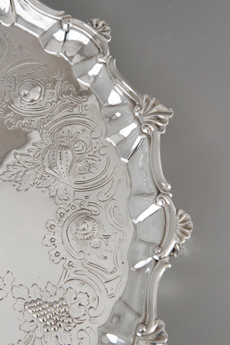 Very Large Georgian Silver Salver or Tray, London, 1810 In Good Condition For Sale In Cornwall, GB