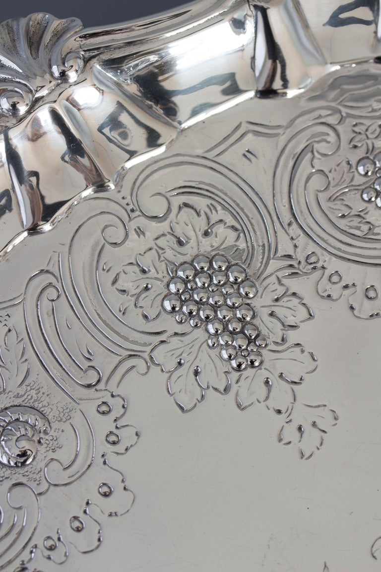 Very Large Georgian Silver Salver or Tray, London, 1810 For Sale 2