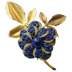 Very large poured glass/gilt metal 'camellia' brooch, Maison Gripoix, 1930s