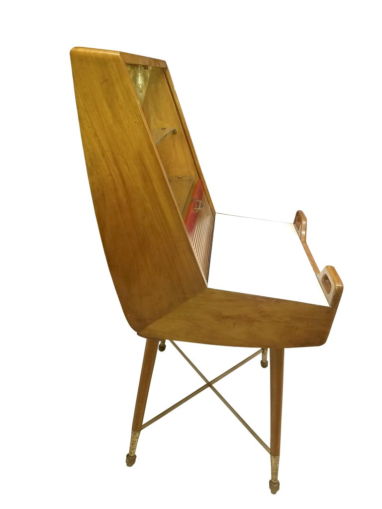 Mid-Century Modern Very Original Desk or Vanity in Natural Elmwood with Roll Top Curtain For Sale