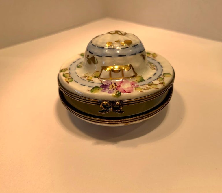 20th Century Very Pretty Limoges France Hand Painted Porcelain Hat Shaped Trinket Box For Sale